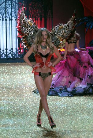 NEW YORK - NOVEMBER 10: Victoria's Secret Fashion Show model walks the runway during the 2010 Victoria's Secret Fashion Show on November 10, 2010 at the Lexington Armory in New York City.  Stock Photo - 18432052