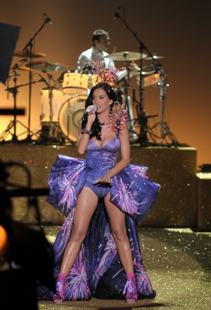 NEW YORK - NOVEMBER 10: Singer Katy Perry performs during the 2010 Victoria's Secret Fashion Show on November 10, 2010 at the Lexington Armory in New York City. 
