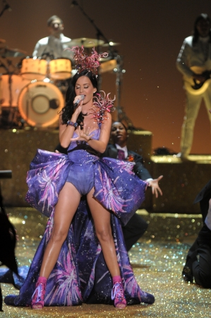 hi resolution: NEW YORK - NOVEMBER 10: Singer Katy Perry performs during the 2010 Victorias Secret Fashion Show on November 10, 2010 at the Lexington Armory in New York City.