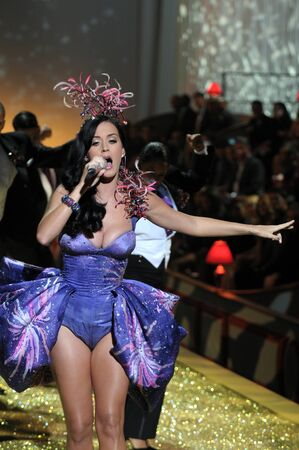 NEW YORK - NOVEMBER 10: Singer Katy Perry performs during the 2010 Victoria's Secret Fashion Show on November 10, 2010 at the Lexington Armory in New York City.  Stock Photo - 18431915