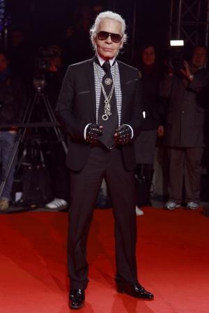 MILAAN, ITALIË - MAART 02: Karl Lagerfeld woont de Extreme Beauty in Vogue feest in het Palazzina della Ragione tijdens de herfst  winter 2009 op 2 maart 2009 in Milaan, Italië.