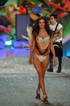 armory: NEW YORK, NY - NOVEMBER 13: Alessandra Ambrosio walks in the 2013 Victorias Secret Fashion Show at Lexington Avenue Armory on November 13, 2013 in New York City.