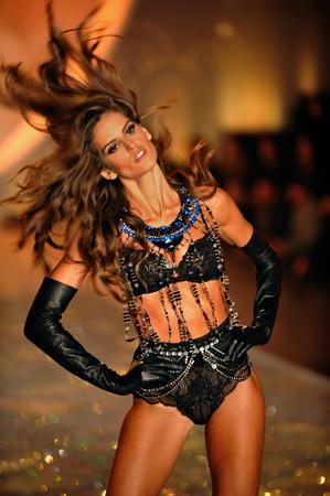 armory: NEW YORK, NY - NOVEMBER 13: Izabel Goulart walks in the 2013 Victorias Secret Fashion Show at Lexington Avenue Armory on November 13, 2013 in New York City.