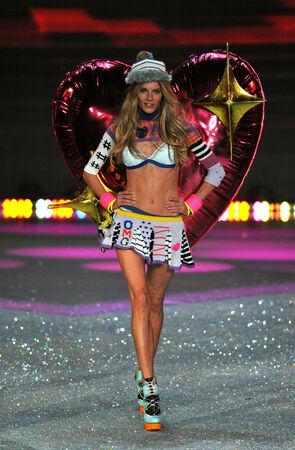heart very: NEW YORK, NY - NOVEMBER 13: Model Ieva Laguna walks the runway at the 2013 Victorias Secret Fashion Show at Lexington Avenue Armory on November 13, 2013 in New York City.  Editorial