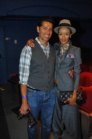 top model: NEW YORK - AUGUSTUS 07: Producer Dimas Bravo (L) en VIP-gasten en de algemene sfeer bij Top Model Latina 2014 Symphony Space NY, 7 augustus 2014 in New York NY