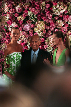 NEW YORK, NY - SEPTEMBER 09: Designer Oscar de la Renta (C) and model Karlie Kloss (L) walk the runway at the Oscar De La Renta fashion show during Mercedes-Benz Fashion Week Spring 2015 on September 9, 2014 in New York City.