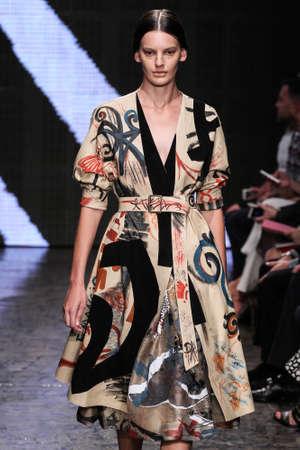 amanda: NEW YORK, NY - SEPTEMBER 08: Model Amanda Murphy walk the runway at Donna Karan New York during MBFW Spring 2015 at 547 West 26th Street on September 8, 2014 in NYC Editorial