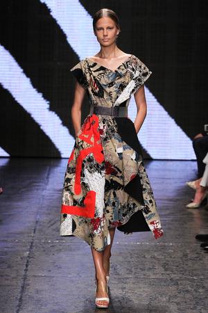 elisabeth: NEW YORK, NY - SEPTEMBER 08: Model Elisabeth Erm walk the runway at Donna Karan New York during MBFW Spring 2015 at 547 West 26th Street on September 8, 2014 in NYC
