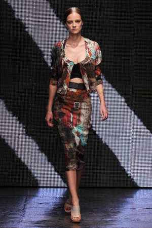 cocaine: NEW YORK, NY - SEPTEMBER 08: Model Ine Neefs walk the runway at Donna Karan New York during MBFW Spring 2015 at 547 West 26th Street on September 8, 2014 in NYC