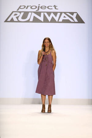 amanda: NEW YORK, NY - SEPTEMBER 05: Amanda Valentine at the Project Runway show during Mercedes-Benz Fashion Week Spring 2015 at Lincoln Center on September 5, 2014 in NYC Editorial