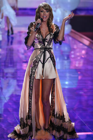 taylor: LONDON, ENGLAND - DECEMBER 02: Singer Taylor Swift performs at the runway during the 2014 Victorias Secret Fashion Show on December 2, 2014 in London, England. Editorial