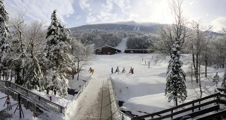 ski lodge: Ski lodge in New Hampshire, USA