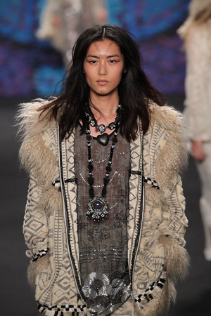 wen: NEW YORK, NY - FEBRUARY 18: Model Liu Wen walks the runway at the Anna Sui fashion show during MBFW Fall 2015 at Lincoln Center on February 18, 2015 in NYC Editorial