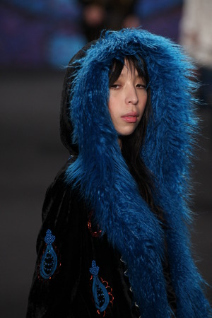 sui: NEW YORK, NY - FEBRUARY 18: Model Issa Lish walks the runway at the Anna Sui fashion show during MBFW Fall 2015 at Lincoln Center on February 18, 2015 in NYC Editorial