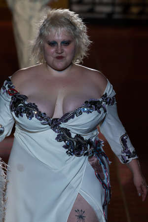 eveningwear: NEW YORK, NY - SEPTEMBER 17: Musician Beth Ditto walks the runway during the Marc Jacobs SpringSummer 2016 fashion show at Ziegfeld Theater on September 17, 2015 in New York City. Editorial