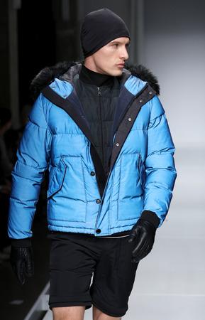 short gloves: NEW YORK, NY - FEBRUARY 02: A  model walks the runway at the Nautica Mens Fall 2016 fashion show during New York Fashion Week Mens FallWinter 2016 on February 2, 2016 in NYC. Editorial