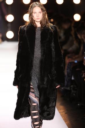 NEW YORK, NY - FEBRUARY 11: A model walks the runway at the BCBGMAXAZRIA Fall 2016 fashion show during New York Fashion Week  on February 11, 2016 in NYC. Publikacyjne