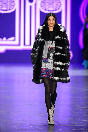 sui: NEW YORK, NY - FEBRUARY 17: A model walks the runway at the Anna Sui Fall 2016 show during New York Fashion Week on February 17, 2016 in NYC.
