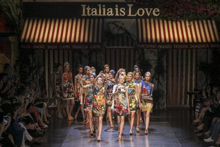 caftan: MILAN, ITALY - SEPTEMBER 27: Models walk the runway during the Dolce and Gabbana show as a part of Milan Fashion Week SpringSummer 2016 on September 27, 2015 in Milan, Italy.