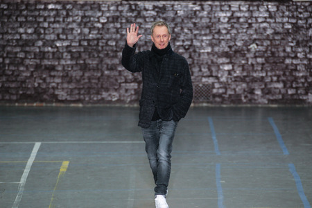 show bill: PARIS, FRANCE - MARCH 06: Fashion designer Bill Gaytten acknowledges the applause of the public after the John Galliano show  FW 201617 on March 6, 2016 in Paris, France.