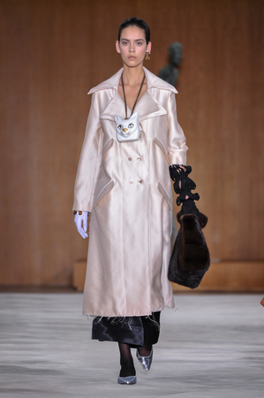 lvmh: PARIS, FRANCE - MARCH 4: Model Nirvana Naves walks runway at the Loewe show during Paris Fashion Week AutumnWinter 201617 on March 4, 2016 in Paris, France. Editorial