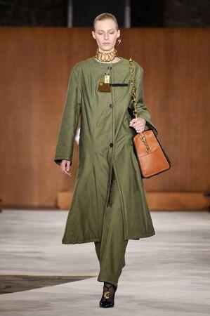 lvmh: PARIS, FRANCE - MARCH 4: Model Julia Nobis walks runway at the Loewe show during Paris Fashion Week AutumnWinter 201617 on March 4, 2016 in Paris, France.