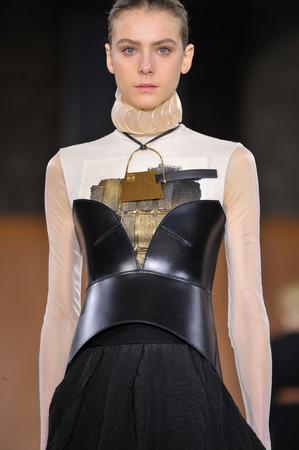 lvmh: PARIS, FRANCE - MARCH 4: Model Phillipa Hemphrey walks runway at the Loewe show during Paris Fashion Week AutumnWinter 201617 on March 4, 2016 in Paris, France. Editorial