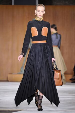 lvmh: PARIS, FRANCE - MARCH 4: Model Franziska Frings walks runway at the Loewe show during Paris Fashion Week AutumnWinter 201617 on March 4, 2016 in Paris, France.