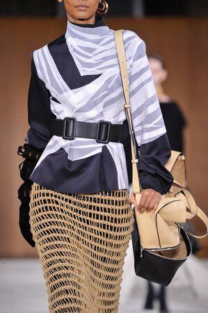avant garde: PARIS, FRANCE - MARCH 4: Model Liya Kebede walks runway at the Loewe show during Paris Fashion Week AutumnWinter 201617 on March 4, 2016 in Paris, France.