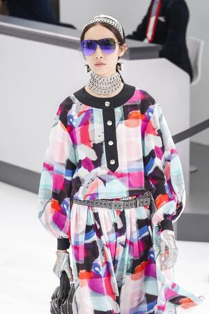 chanel: PARIS, FRANCE - OCTOBER 06: Fei Fei Sun walks the runway during the Chanel show as part of the Paris Fashion Week Womenswear SpringSummer 2016 on October 6, 2015 in Paris, France.