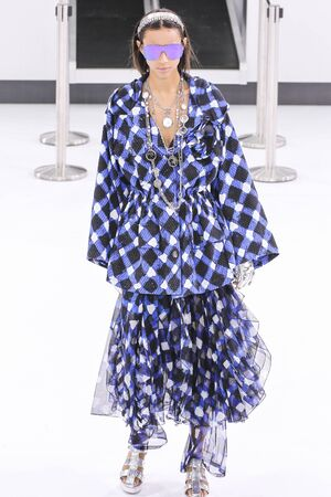 chanel: PARIS, FRANCE - OCTOBER 06: Binx Walton walks the runway during the Chanel show as part of the Paris Fashion Week Womenswear SpringSummer 2016 on October 6, 2015 in Paris, France.