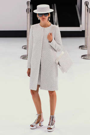 chanel: PARIS, FRANCE - OCTOBER 06: A model walks the runway during the Chanel show as part of the Paris Fashion Week Womenswear SpringSummer 2016 on October 6, 2015 in Paris, France. Editorial