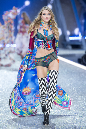 PARIS, FRANCE - NOVEMBER 30: Martha Hunt walks the runway at the Victorias Secret Fashion Show on November 30, 2016 in Paris, France.
