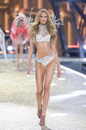 PARIS, FRANCE - NOVEMBER 30: Romee Strijd walks the runway at the Victorias Secret Fashion Show on November 30, 2016 in Paris, France. Editorial