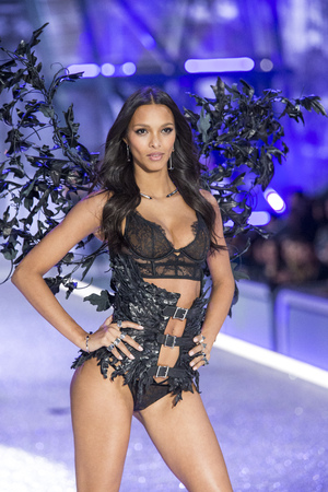 PARIS, FRANCE - NOVEMBER 30: Lais Ribeiro walks the runway at the Victorias Secret Fashion Show on November 30, 2016 in Paris, France.