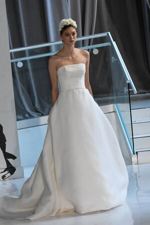 couture: NEW YORK, NY - APRIL 20: A model walks the runway at the Peter Langer SpringSummer Bridal 2018 show on April 20, 2017 in New York City.