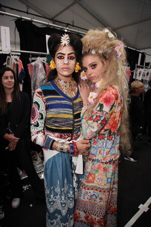 NEW YORK, NY - SEPTEMBER 07: Models posing backstage before the Desigual fashion show during New York Fashion Week on September 7, 2017 in New York City. Imagens - 86406506