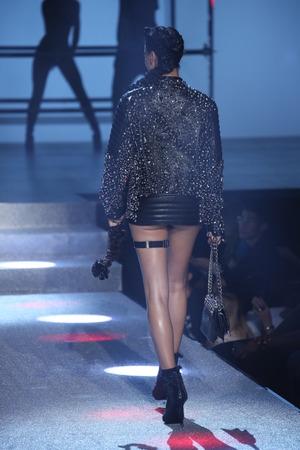 NEW YORK, NY - SEPTEMBER 09: Shanina Shaik walks the runway at the Philipp Plein fashion show during New York Fashion Week: The Shows at Hammerstein Ballroom on September 9, 2017 in New York City. Redakční