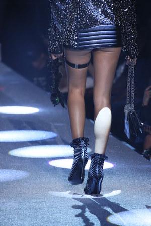 NEW YORK, NY - SEPTEMBER 09: Shanina Shaik walks the runway at the Philipp Plein fashion show during New York Fashion Week: The Shows at Hammerstein Ballroom on September 9, 2017 in New York City. Editorial