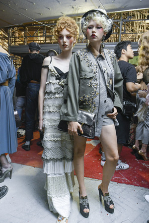 MILAN, ITALY - SEPTEMBER 23: Models are seen backstage ahead of the Antonio Marras show during Milan Fashion Week SpringSummer 2018 on September 23, 2017 in Milan, Italy. Publikacyjne