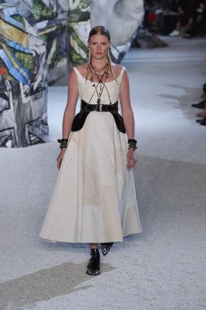 PARIS, FRANCE - OCTOBER 01: A model walks the runway during the Alexander McQueen Paris show as part of the Paris Fashion Week Womenswear SpringSummer 2019 on October 1, 2018 in Paris, France. Redakční