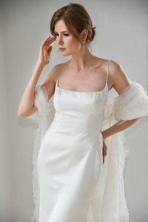 NEW YORK, NY - 15. APRIL: Ein Model posiert während der Brautmode-Präsentation von Ines Di Santo Frühjahr 2020 auf der New York Fashion Week: Bridal am 15. April 2019 in NYC.