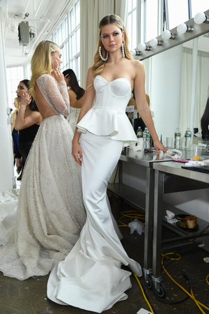 NEW YORK, NY - APRIL 12: A model posing backstage before the Berta Bridal Spring 2020 fashion show at New York Fashion Week: Bridal on April 12, 2019 in NYC. Publikacyjne