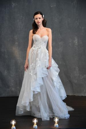 NEW YORK, NY - APRIL 14: A model posing during Galia Lahav Spring 2020 bridal fashion presentation at New York Fashion Week: Bridal on April 14, 2019 in NYC. Redactioneel