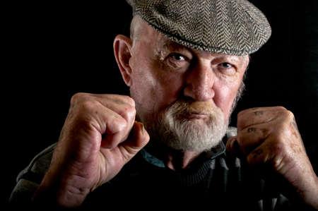 Alter Mann kämpfen Standard-Bild - 14298980