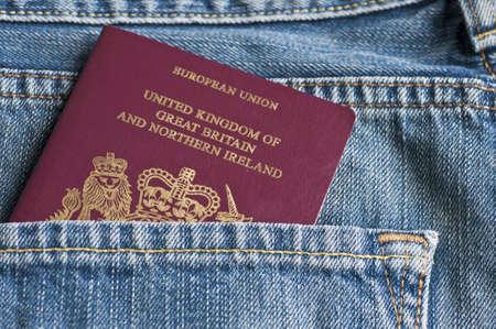 Passport in Gesäßtasche Standard-Bild - 20411682