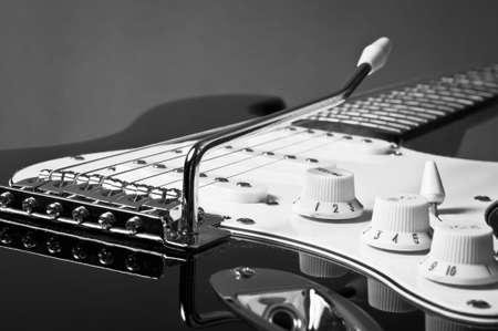 guitar amplifier: Electric guitar detail