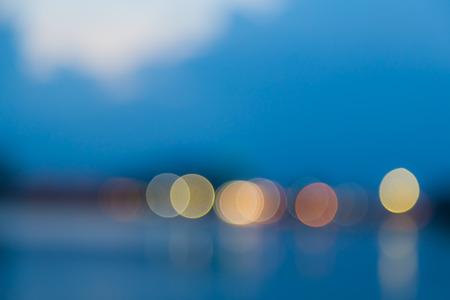 青の背景にボケ味ライト