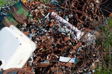 pitting: Scrap dump