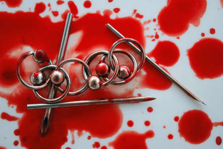 spl: Blood & circulars, needles for piercing